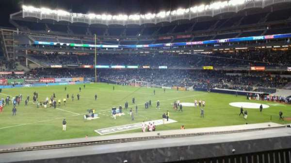 Yankee Stadium, secção: 227B, fila: 1, lugar: 3