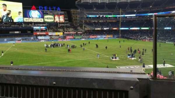 Yankee Stadium, secção: 227B, fila: 1, lugar: 1