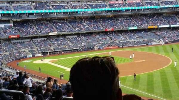 Yankee Stadium, secção: 210, fila: 22, lugar: 19