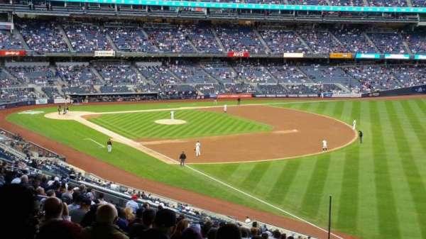 Yankee Stadium, secção: 210, fila: 22, lugar: 5