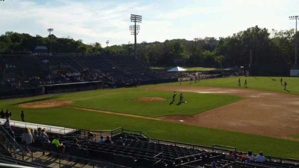 New Britain Stadium, secção: 201, fila: J, lugar: 22