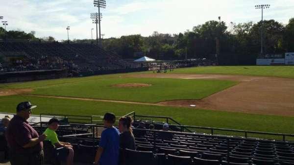 New Britain Stadium, secção: 202, fila: A, lugar: 14