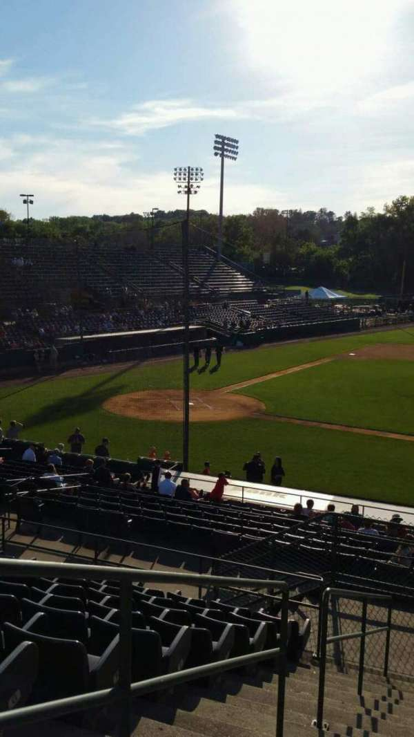 New Britain Stadium, secção: 203, fila: K, lugar: 22