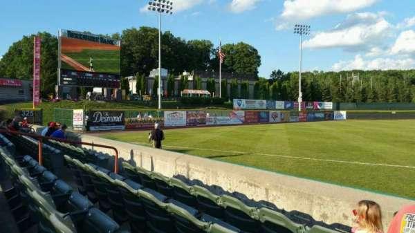 Joseph L. Bruno Stadium, secção: 290, fila: D, lugar: 6