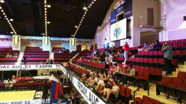 Westchester County Center, secção: 50LFT, fila: D, lugar: 59
