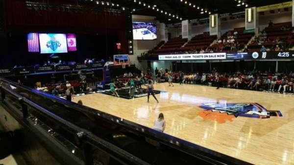 Westchester County Center, secção: 40LFT, fila: A, lugar: 47