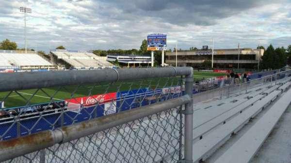 James M. Shuart Stadium, secção: 6, fila: 10, lugar: 22