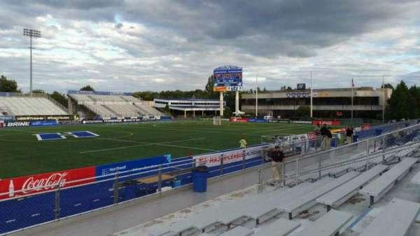 James M. Shuart Stadium, secção: 6, fila: 10, lugar: 9