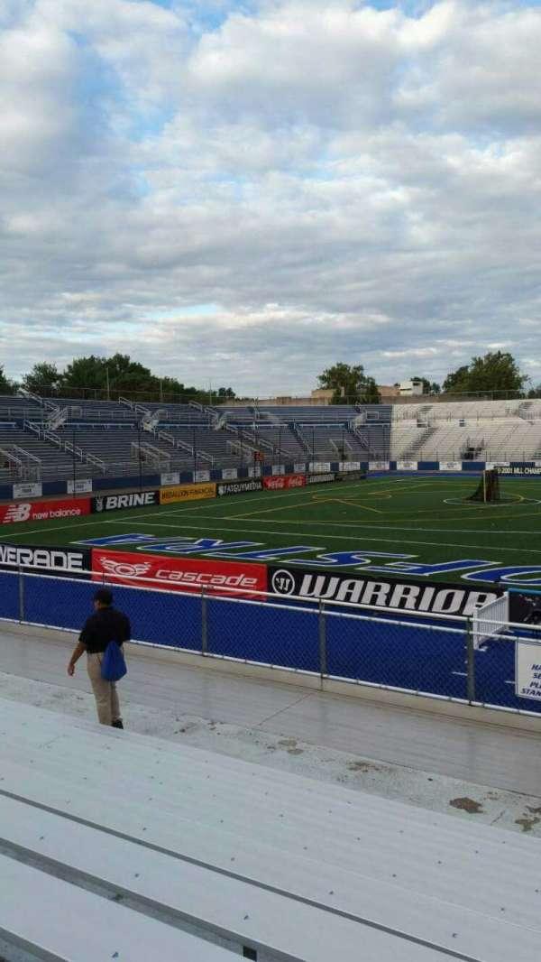 James M. Shuart Stadium, secção: 6, fila: 10, lugar: 1