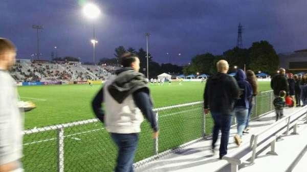 Dillon Stadium, secção: 2, fila: A, lugar: 26