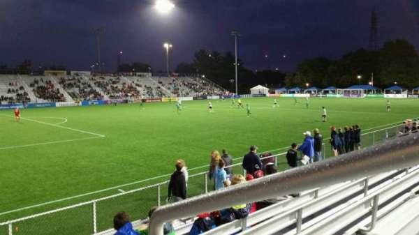 Dillon Stadium, secção: 1, fila: G, lugar: 1