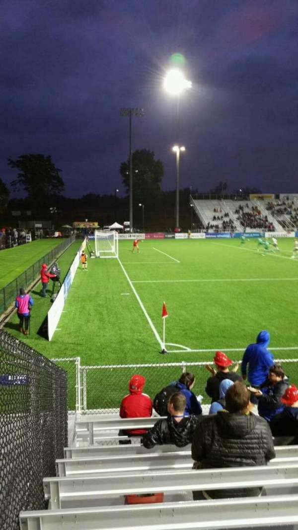 Dillon Stadium, secção: 1, fila: G, lugar: 12