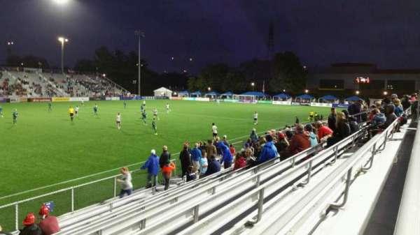 Dillon Stadium, secção: 2, fila: I, lugar: 26