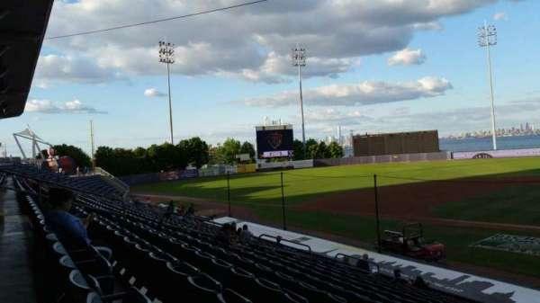 Richmond County Bank Ballpark, secção: 7, fila: R, lugar: 1