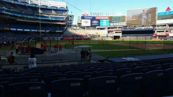 Yankee Stadium, secção: 117B, fila: 1, lugar: 10