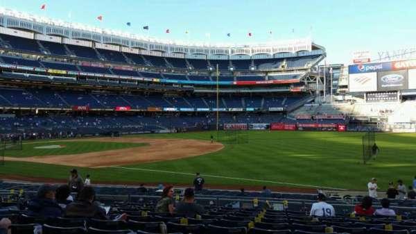 Yankee Stadium, secção: 112, fila: 11, lugar: 8