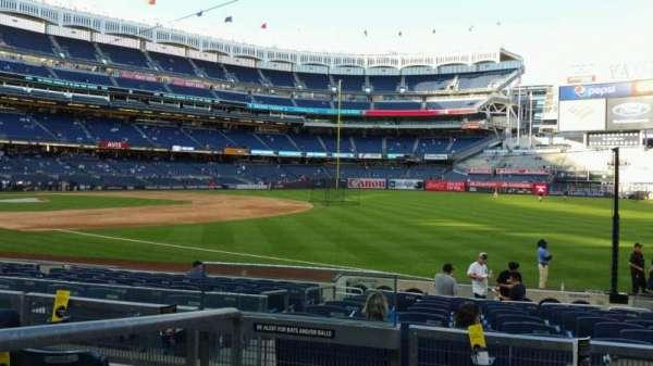 Yankee Stadium, secção: 111, fila: 15, lugar: 16