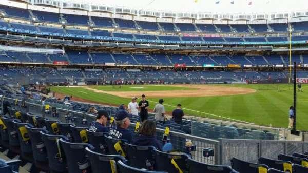 Yankee Stadium, secção: 111, fila: 15, lugar: 1