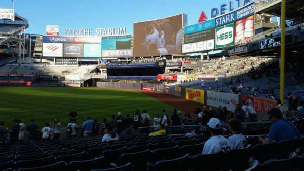 Yankee Stadium, secção: 110, fila: 17, lugar: 9