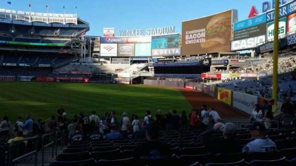 Yankee Stadium, secção: 109, fila: 15, lugar: 17