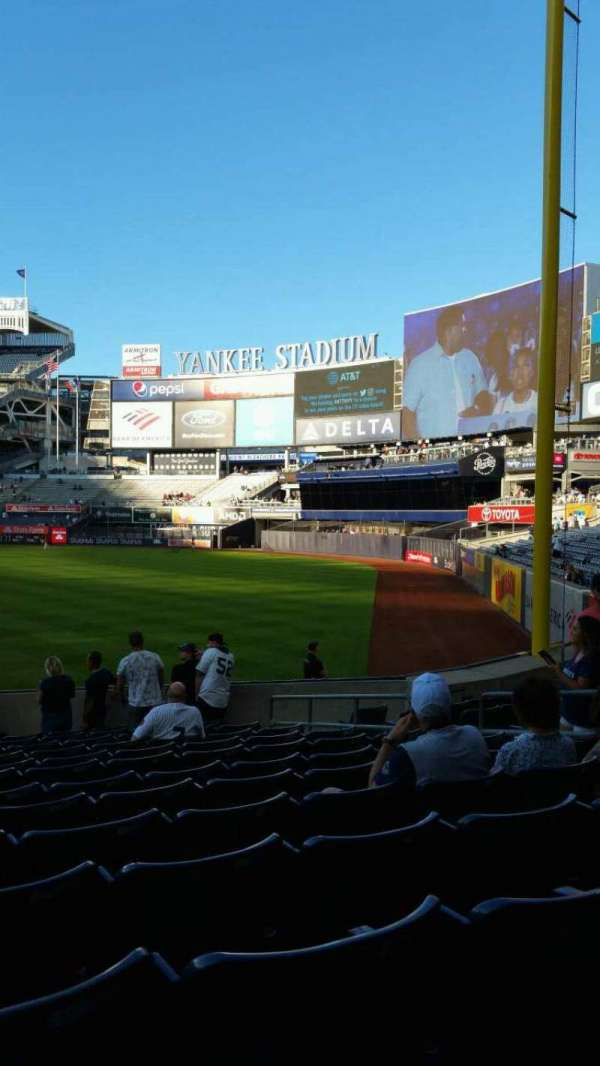 Yankee Stadium, secção: 109, fila: 15, lugar: 9