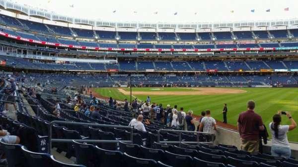 Yankee Stadium, secção: 108, fila: 9, lugar: 6