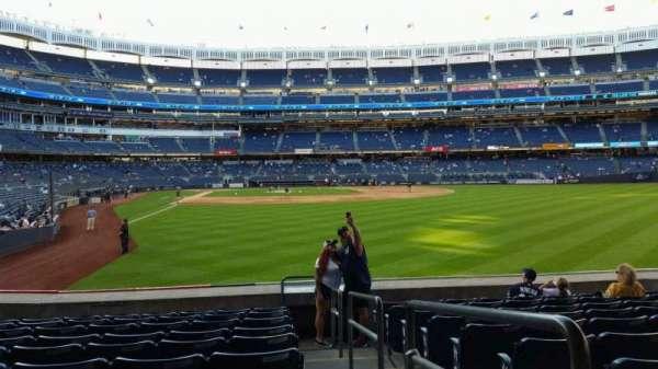 Yankee Stadium, secção: 106, fila: 10, lugar: 1
