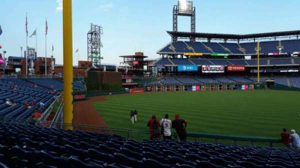 Citizens Bank Park, secção: 139, fila: 33, lugar: 10