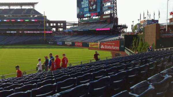 Citizens Bank Park, secção: 103, fila: 13, lugar: 11