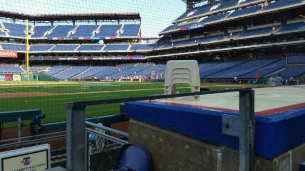 Citizens Bank Park, secção: 132, fila: 1, lugar: 1