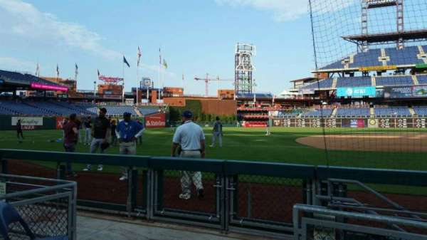 Citizens Bank Park, secção: 132, fila: 1, lugar: 12
