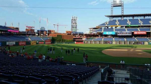 Citizens Bank Park, secção: 132, fila: 19, lugar: 18