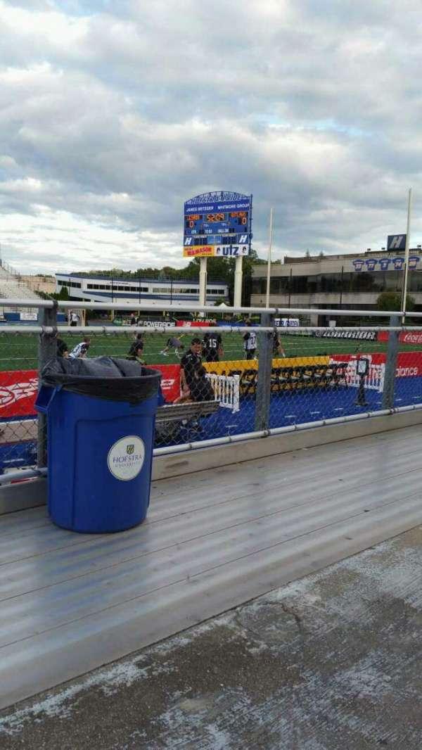 James M. Shuart Stadium, secção: 3, fila: 1, lugar: 21