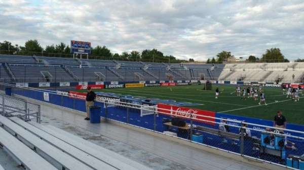 James M. Shuart Stadium, secção: 4, fila: G, lugar: 25