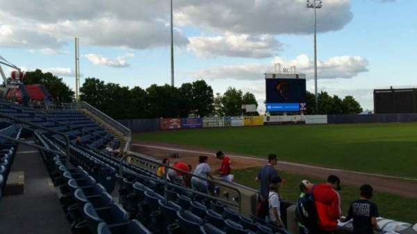 Richmond County Bank Ballpark, secção: 4, fila: F, lugar: 13