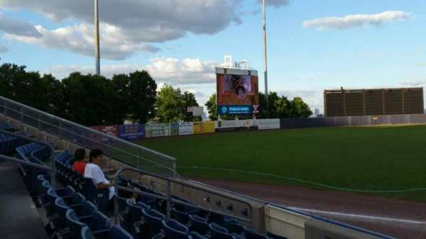 Richmond County Bank Ballpark, secção: 2, fila: F, lugar: 9