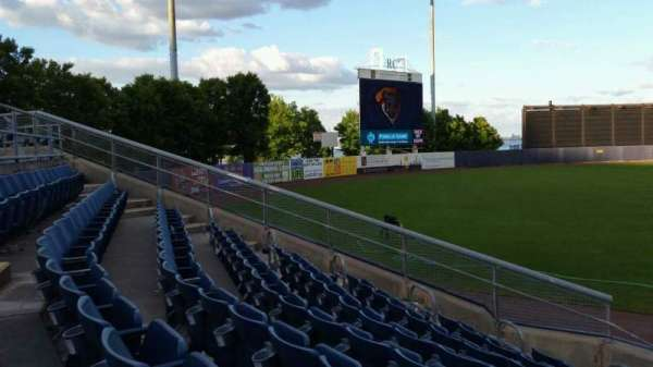 Richmond County Bank Ballpark, secção: 1, fila: J, lugar: 1