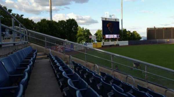 Richmond County Bank Ballpark, secção: 1, fila: J, lugar: 10