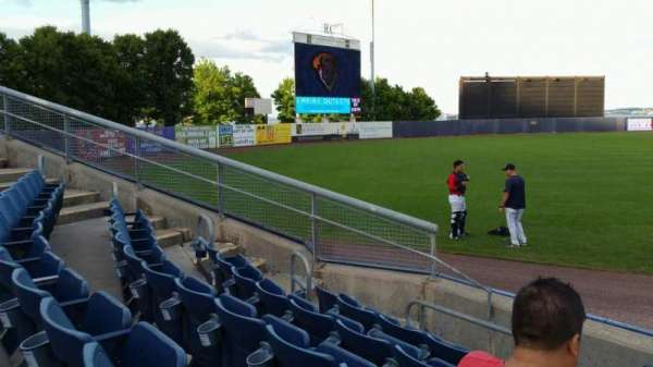 Richmond County Bank Ballpark, secção: 1, fila: F, lugar: 1