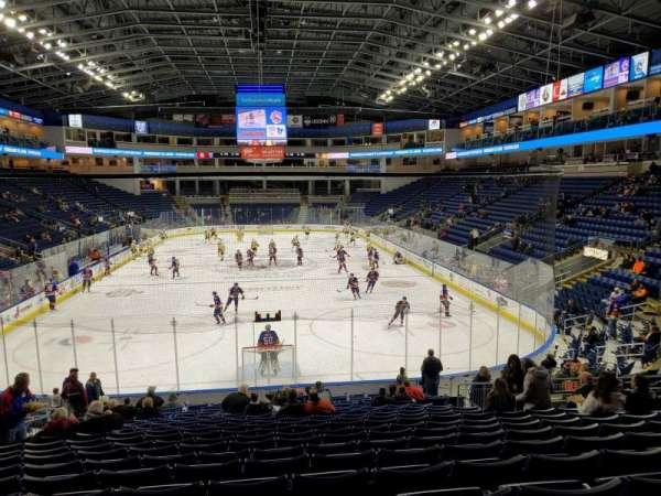 Webster Bank Arena, secção: 100, fila: Q, lugar: 14