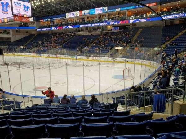 Webster Bank Arena, secção: 118, fila: H, lugar: 8