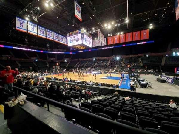 Nassau Veterans Memorial Coliseum, secção: 101, fila: 1, lugar: 11
