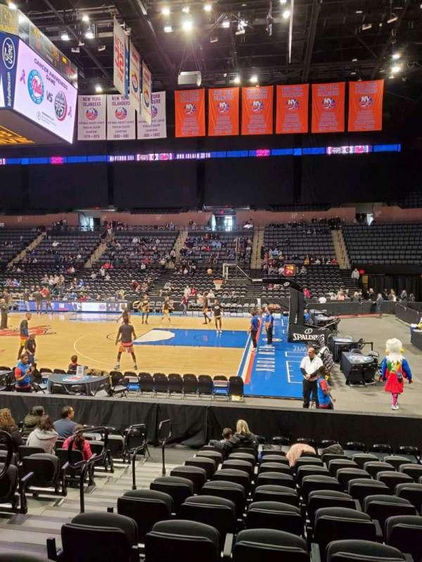 Nassau Veterans Memorial Coliseum, secção: 101, fila: 1, lugar: 12