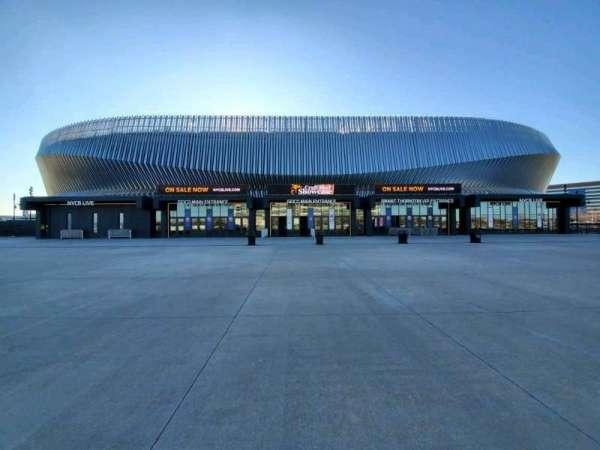Nassau Veterans Memorial Coliseum, secção: Main Entrance