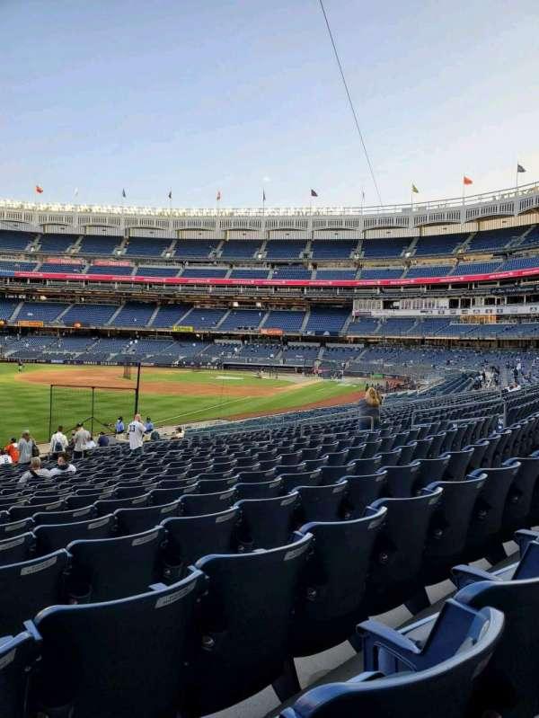 Yankee Stadium, secção: 130, fila: 22, lugar: 22