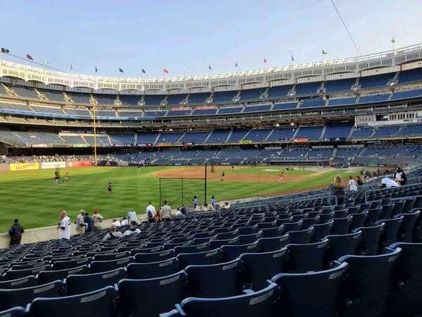 Yankee Stadium, secção: 130, fila: 22, lugar: 18