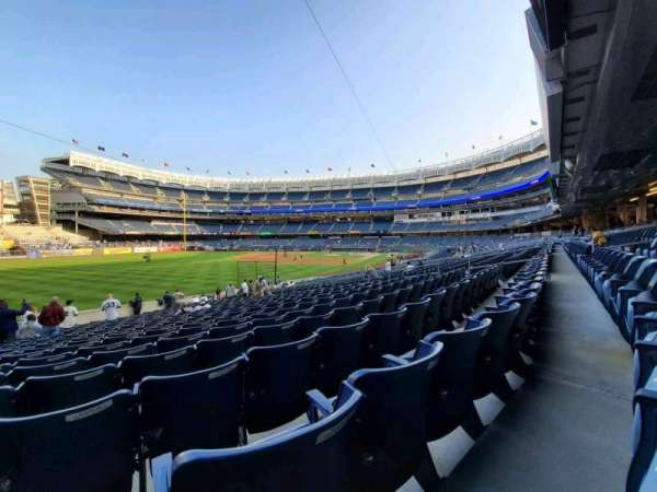 Yankee Stadium, secção: 130, fila: 22, lugar: 17