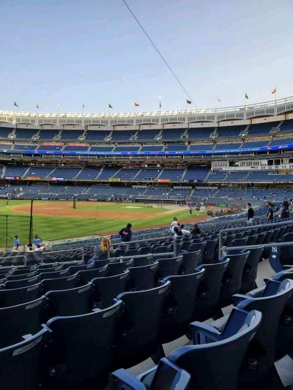 Yankee Stadium, secção: 130, fila: 22, lugar: 9