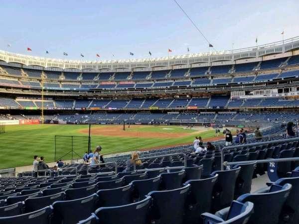 Yankee Stadium, secção: 130, fila: 22, lugar: 8