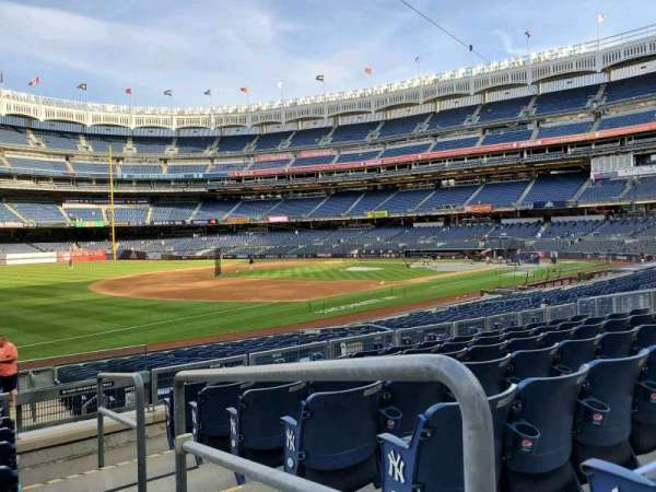 Yankee Stadium, secção: 128, fila: 7, lugar: 1